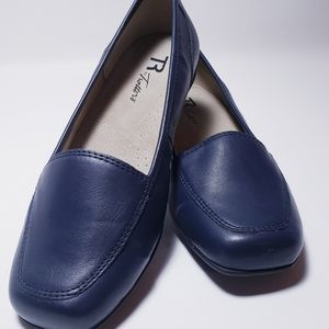 Womens Trotters Navy Blue Flats Shoes 7 W